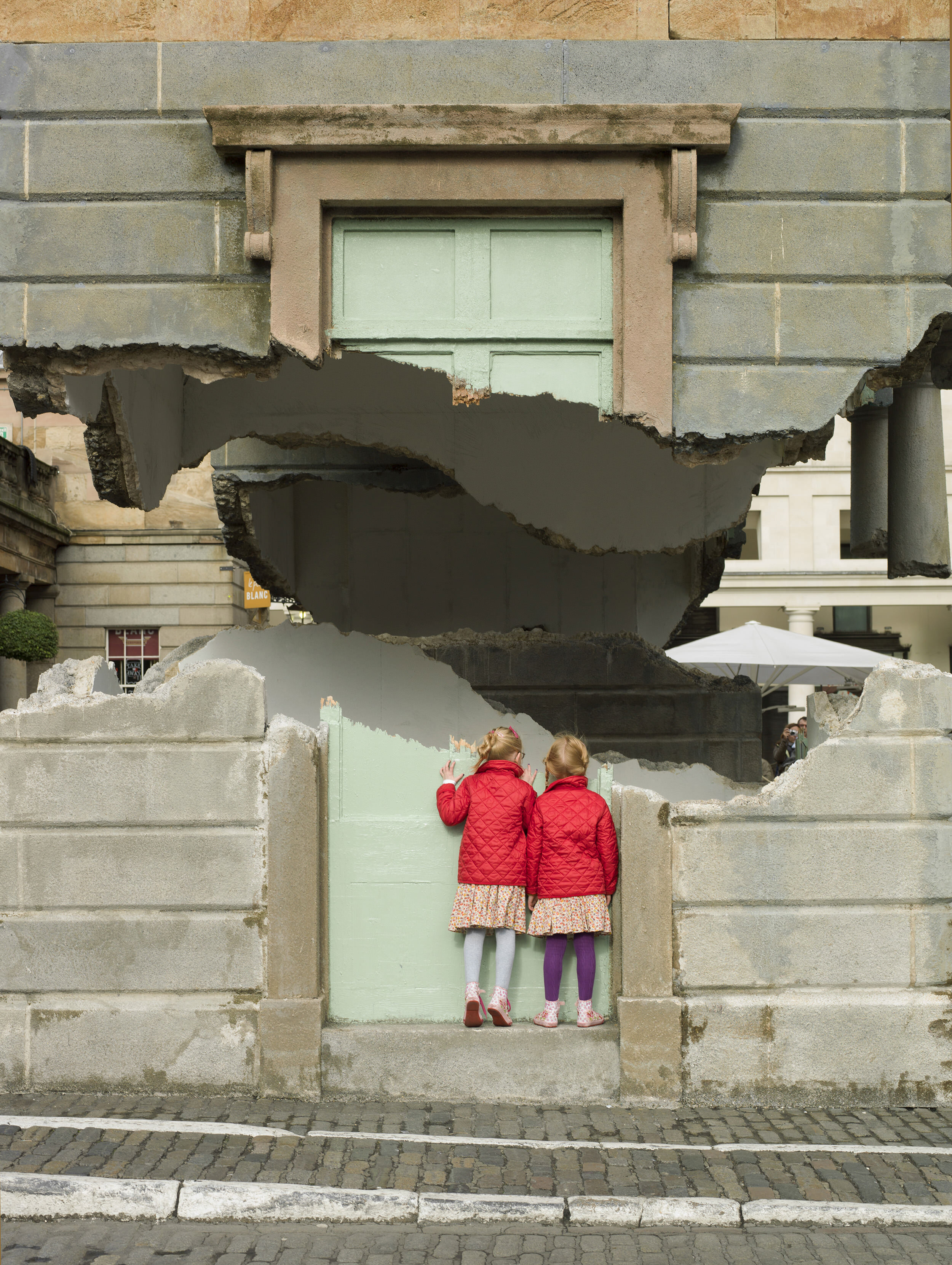 2. Alex Chinneck - Take my lightning but don't steal my thunder - Image by Chris Tubbs.jpg
