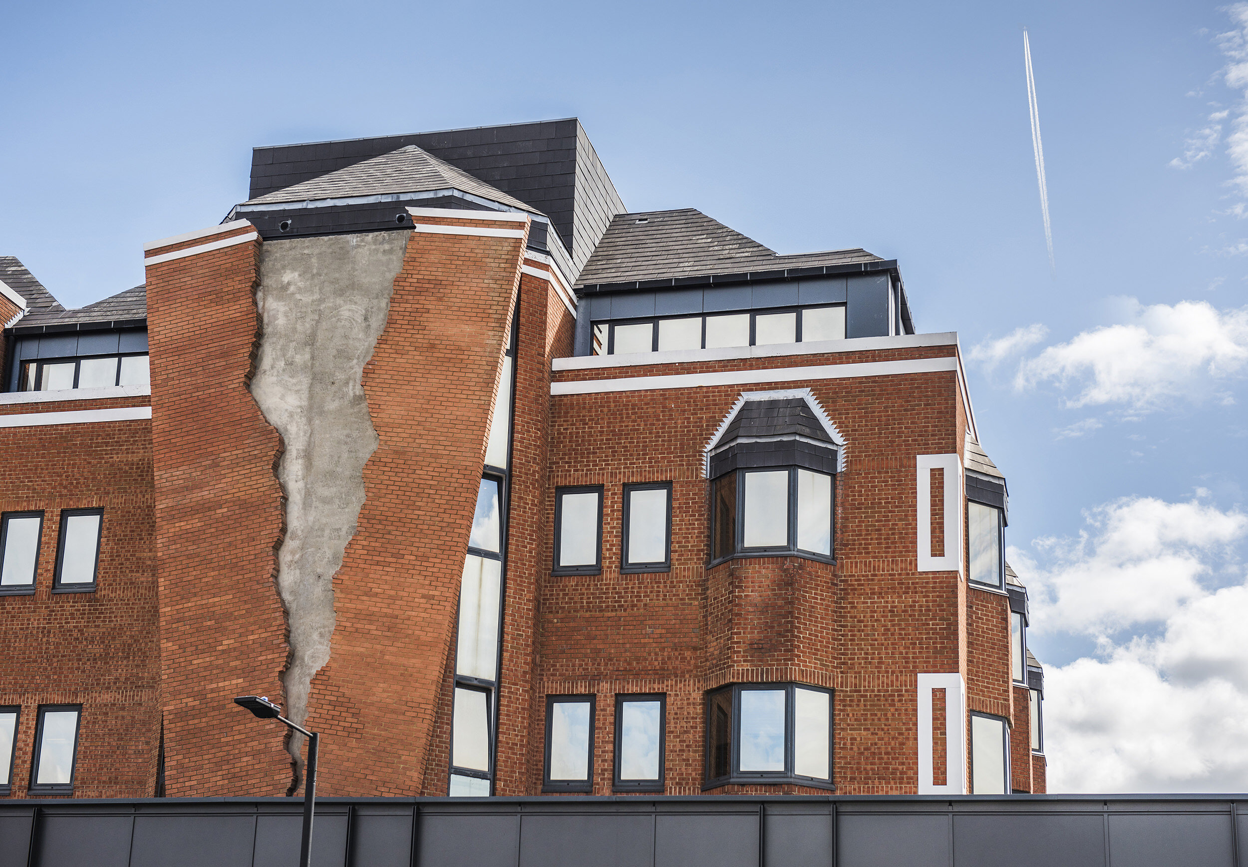 1. Alex Chinneck - Six pins and half a dozen needles - Image by Charles Emerson.jpeg