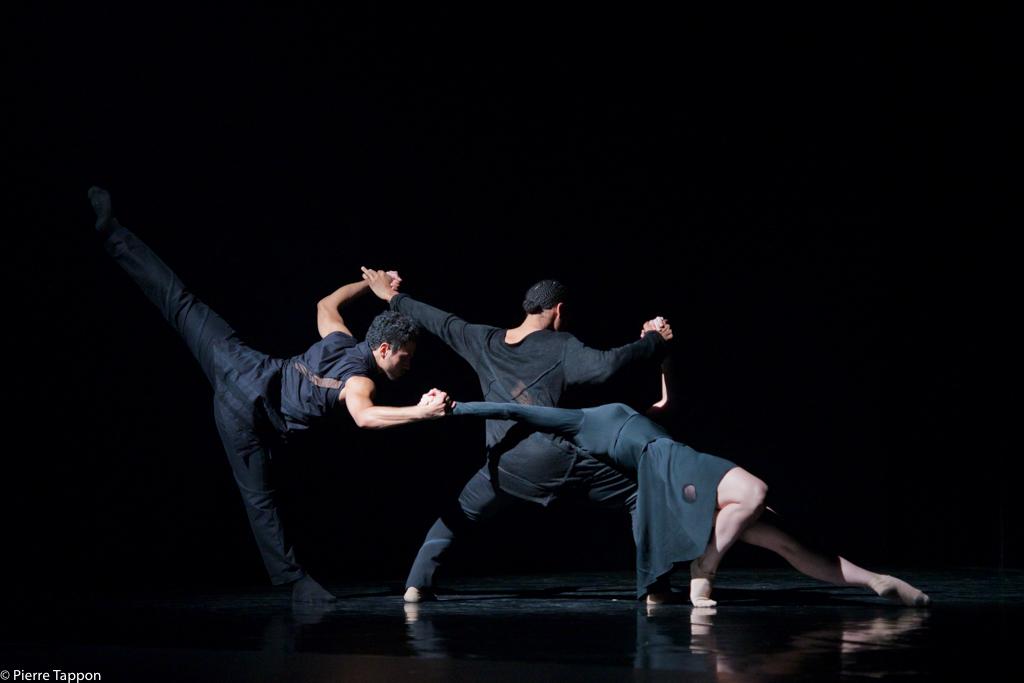 Rambert 3 Dancers 214.jpg