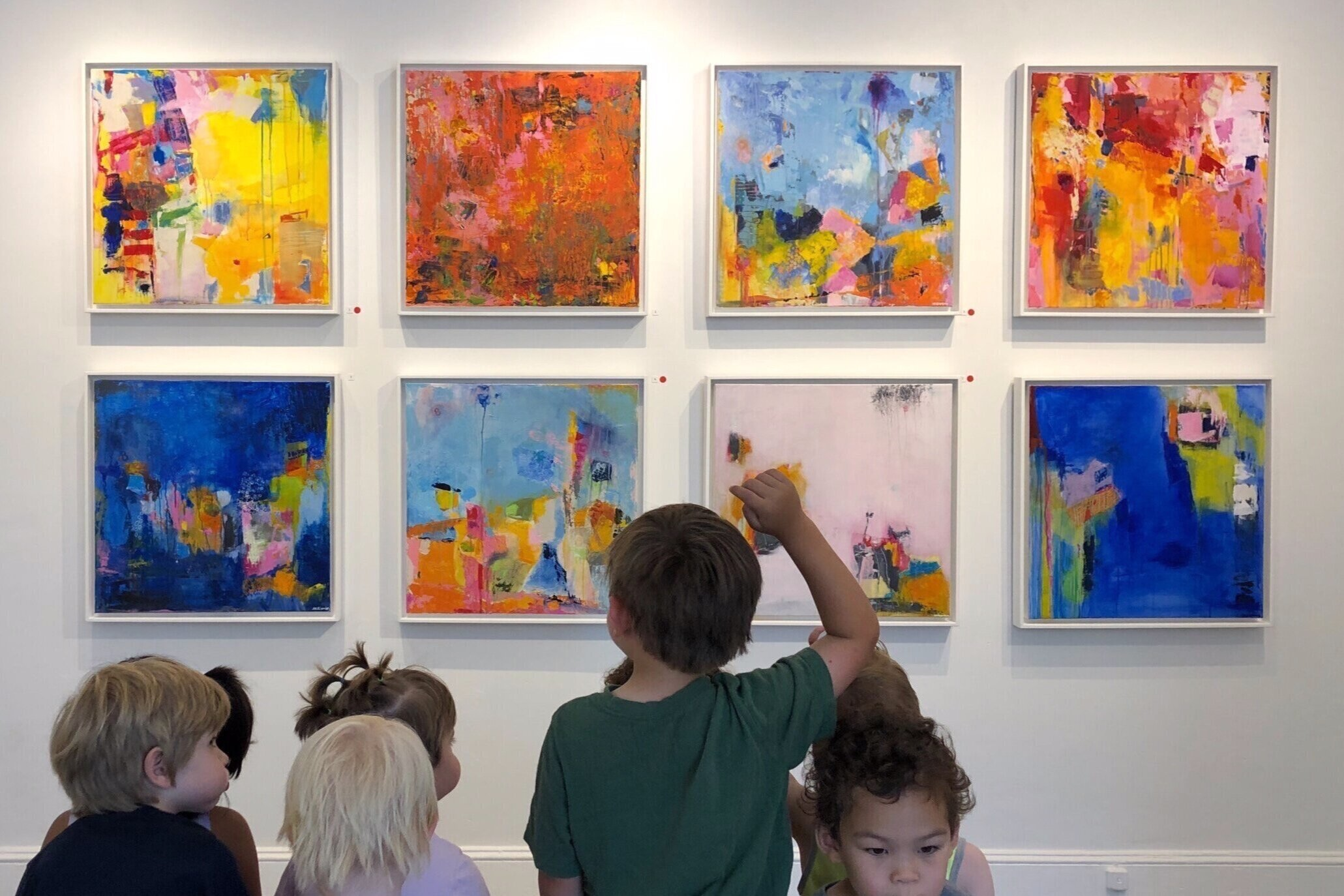 The Giving Tree Pre-K class visiting Sally K Eisenberg's exhibition at DVAA.