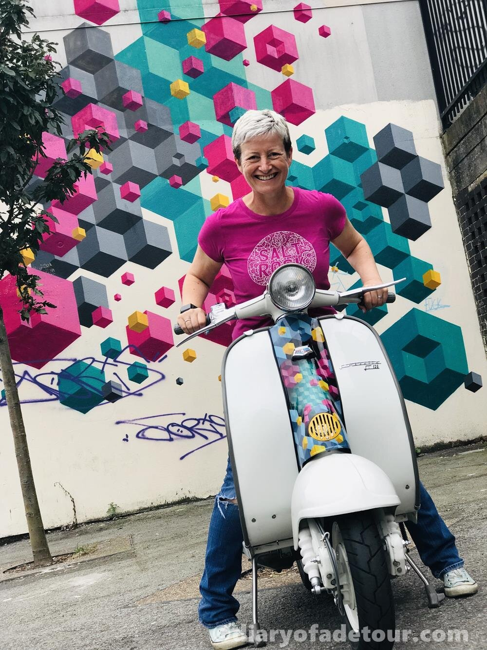 Ali-Richards-Lambretta-street-art-scooter.jpg