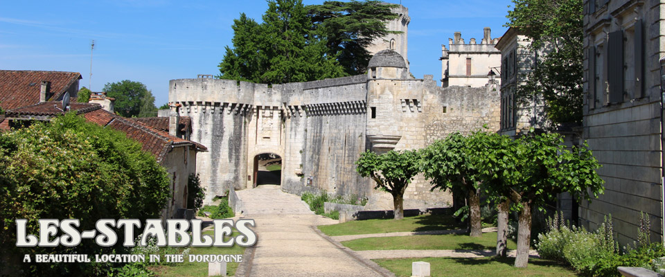 The stunning village of Bourdeilles is only 1km from Les Stables