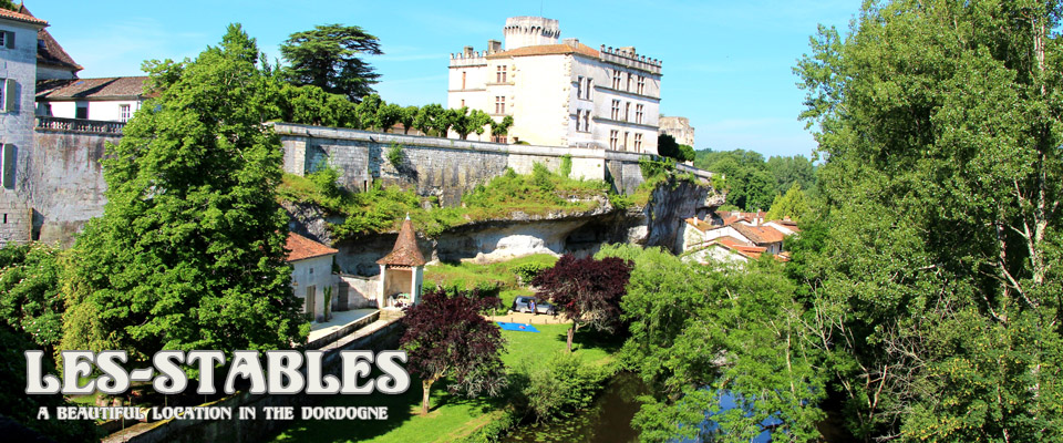 the chateau bourdeilles - It's only a stones throw from Les Stables if your up for a tour