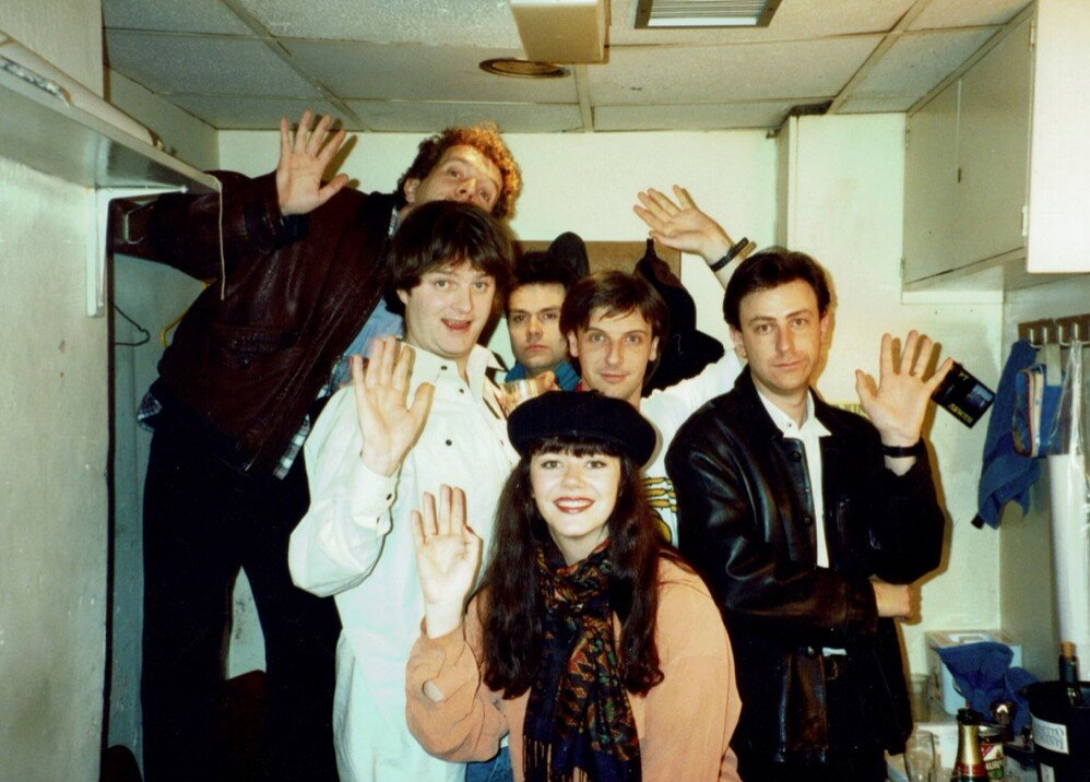 Jim Sweeney, Paul Merton, Neil Mullarkey, Richard Vranch, Josie Lawrence, Lee Simpson.