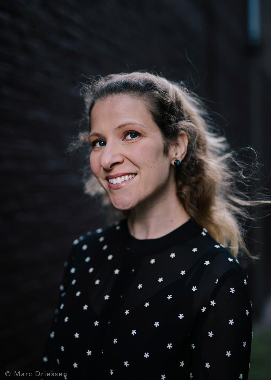 De Amerikaanse schrijver Lisa Halliday. Vandaag in Het Parool.