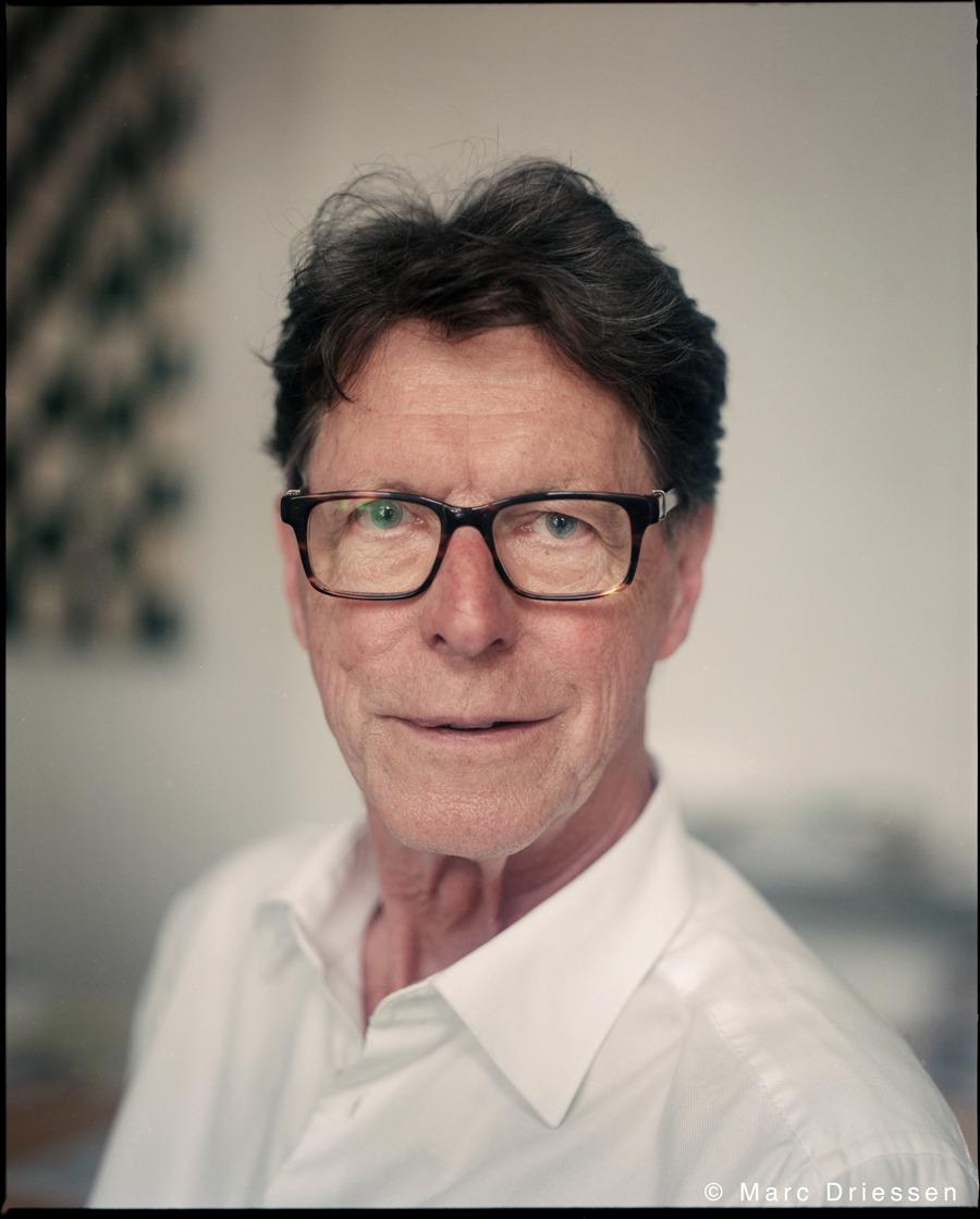 Architect Pi de Bruijn. Een zesdelige serie  over de Bijlmer Pioniers van Patrick Meershoek. Met analoge portret foto's van mijn hand. Vandaag het tweede deel in  Het Parool .