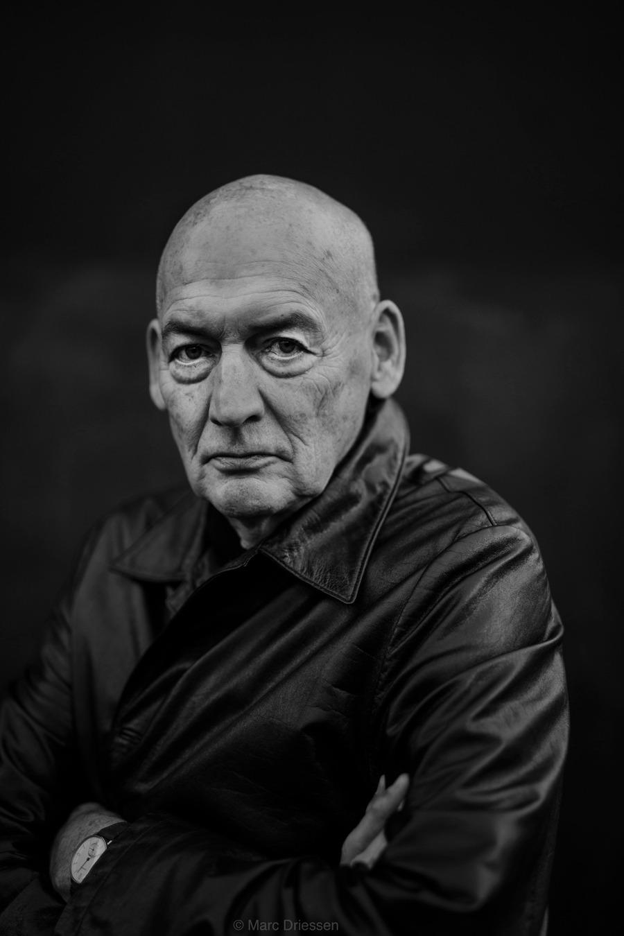 Recent portret van Architect Rem Koolhaas. In opdracht van Het Parool.