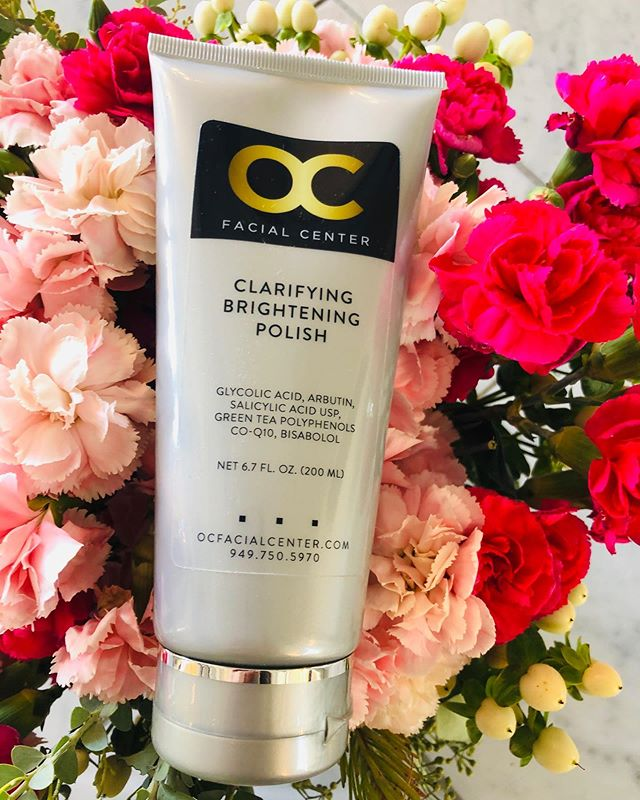Our Best Selling clarifying polisher with salicylic and glycolic acid is now back on stock. Been sold out for 30 days. 🙈🥰😘