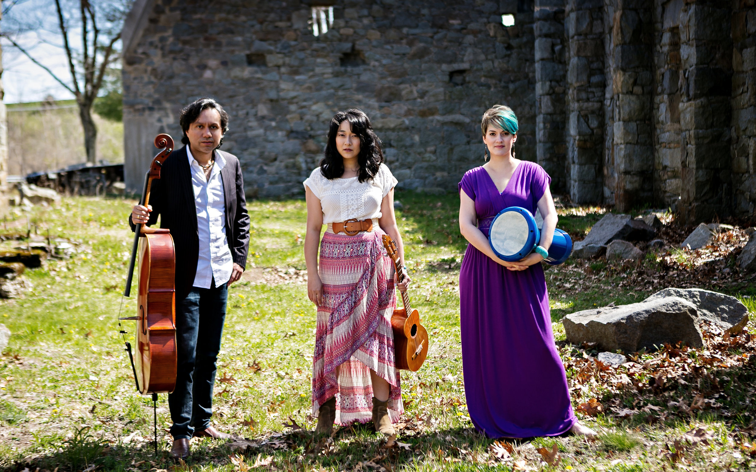Voci Angelica Trio - Voci Angelica Trio is an international band with members hailing from three continents. Listeners describe the music as