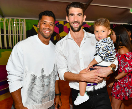 Russel Wilson 2018 Kids Choice Awards 5.png