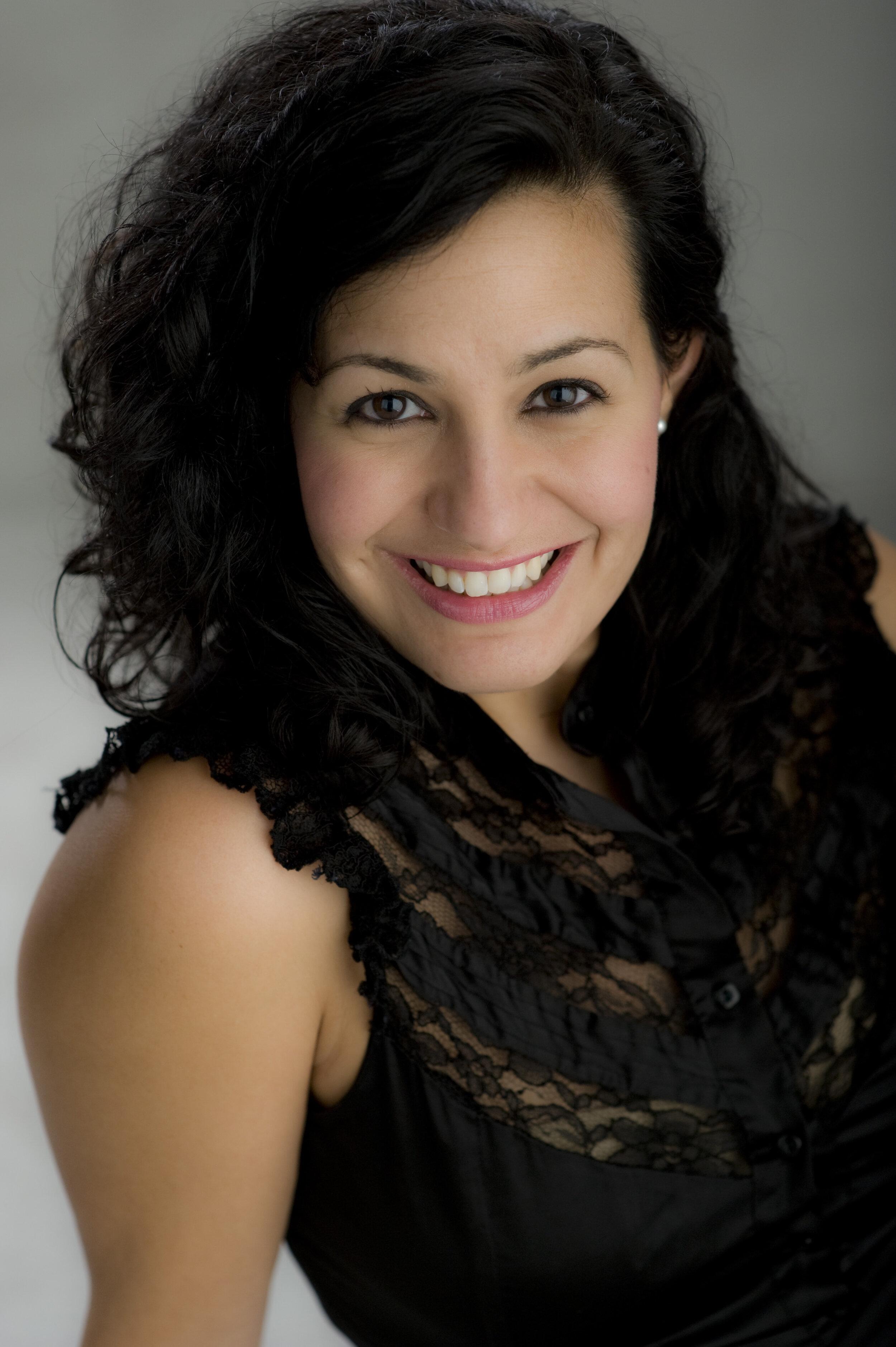 Olga Perez Flora, mezzo-soprano