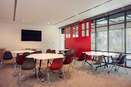 rove-hotel-meeting-room.jpg