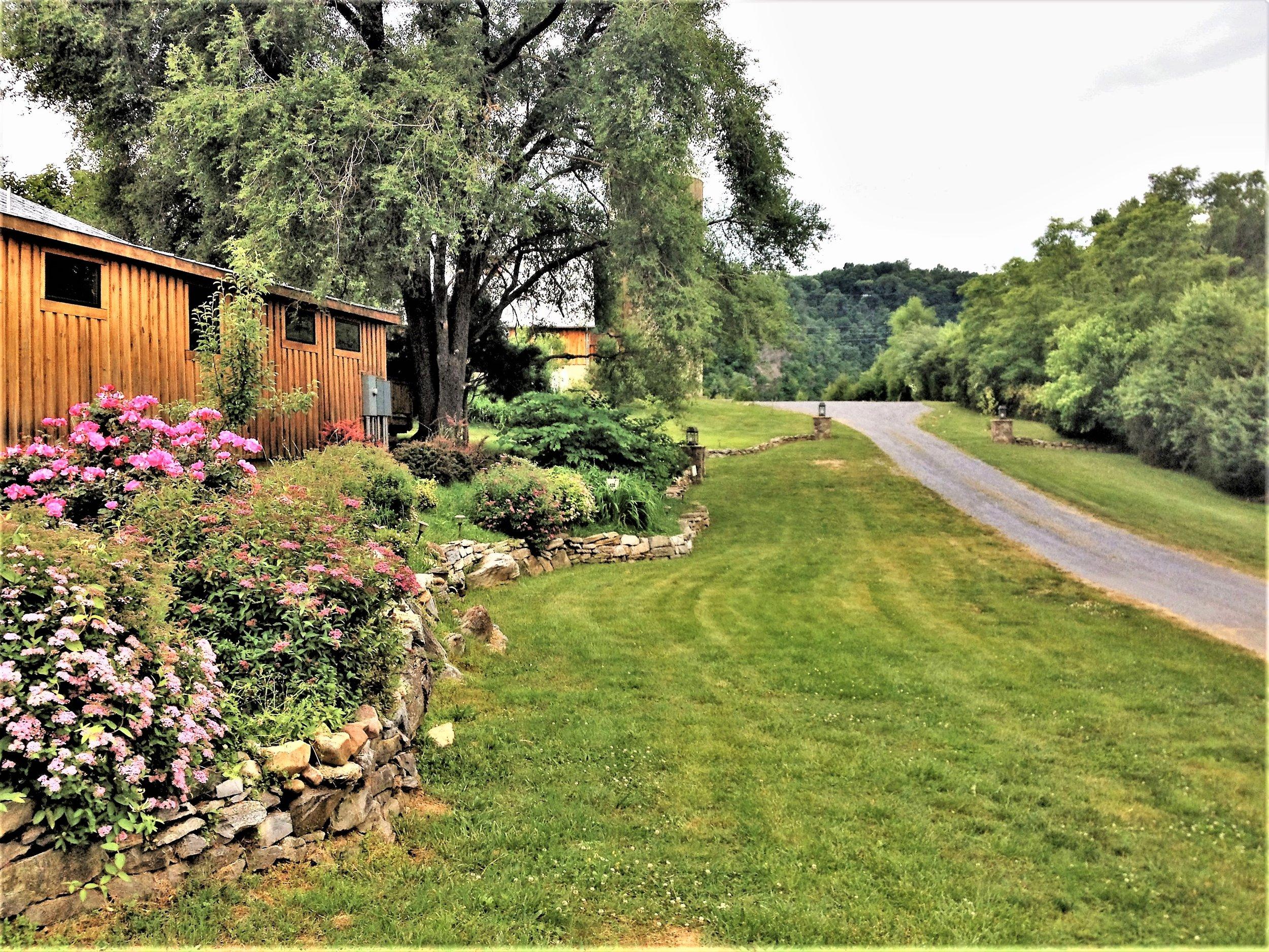 Heartstone Lodge | Retreats In Virginia | Easy To Get To