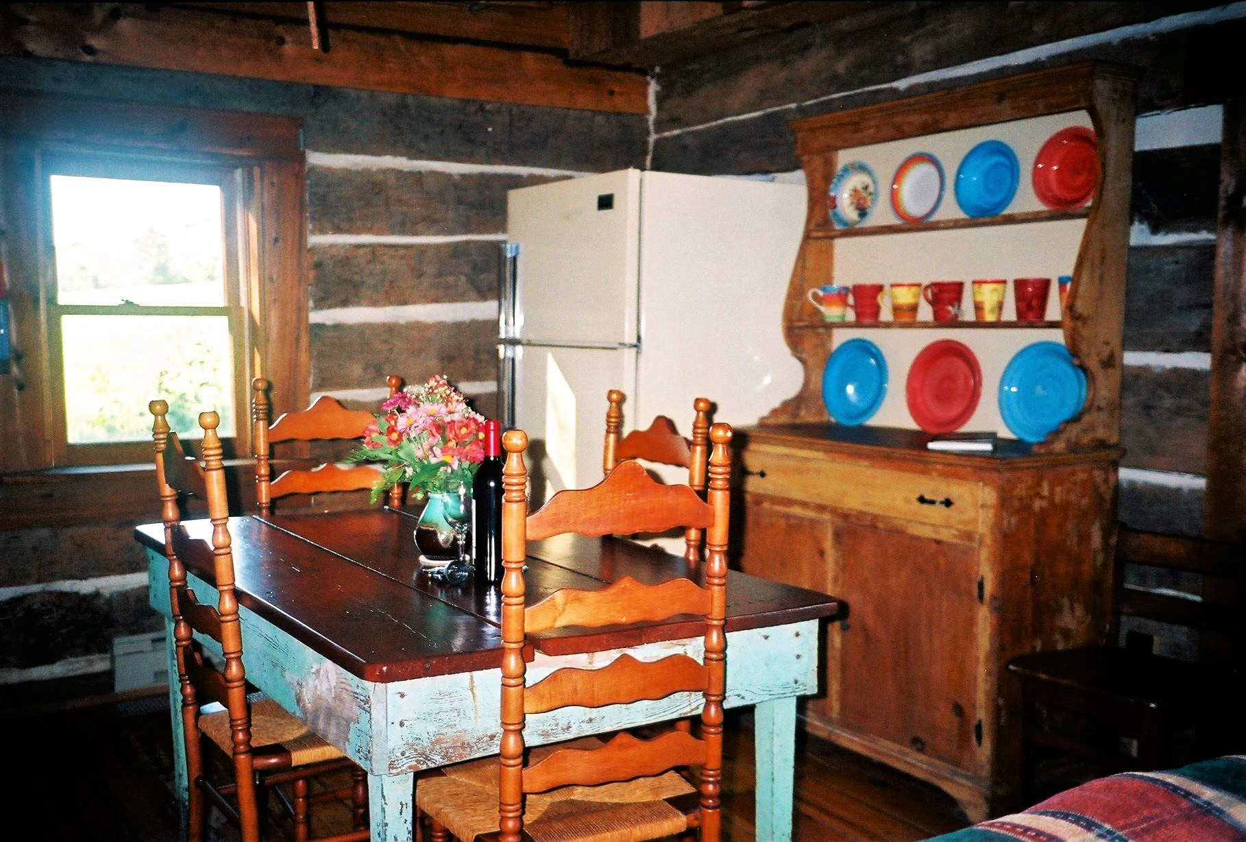 Antonia Albano Retreat   DeHart Cabin   Eating Area.jpg