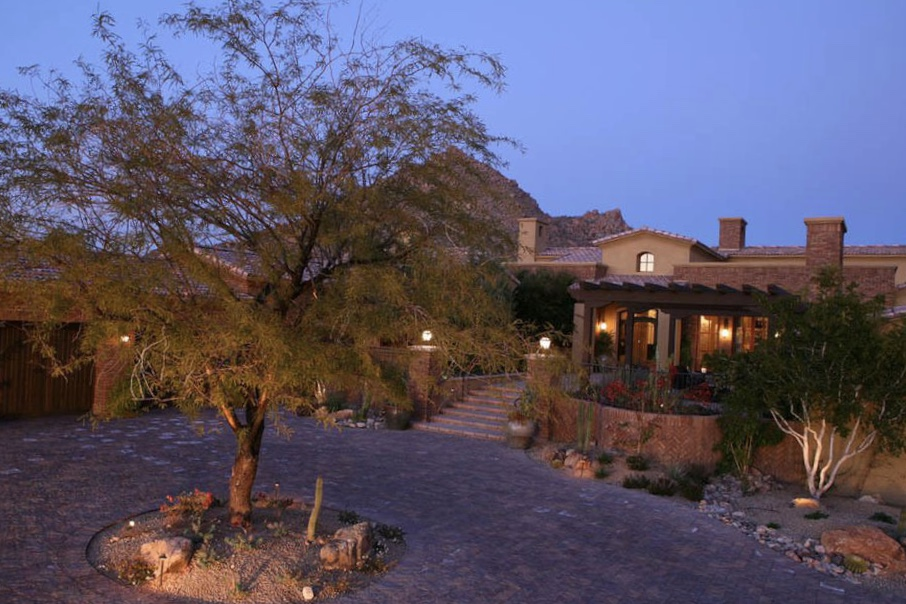 A dessert wonderland in North Scottsdale to play, eat, drink & relax.  Maybe a little golf, too…