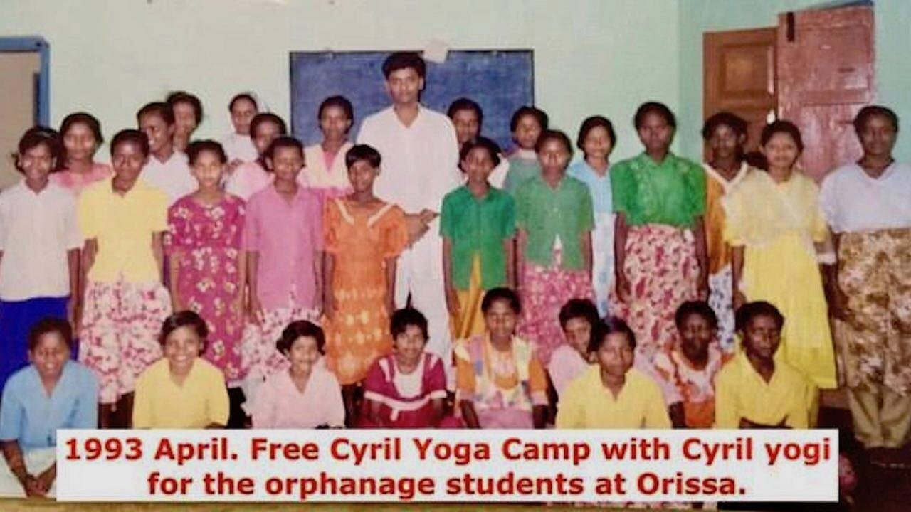 1INDIA, ORISSA- Ashtanga Cyril yoga class with traditional master Cyril yogi..jpeg