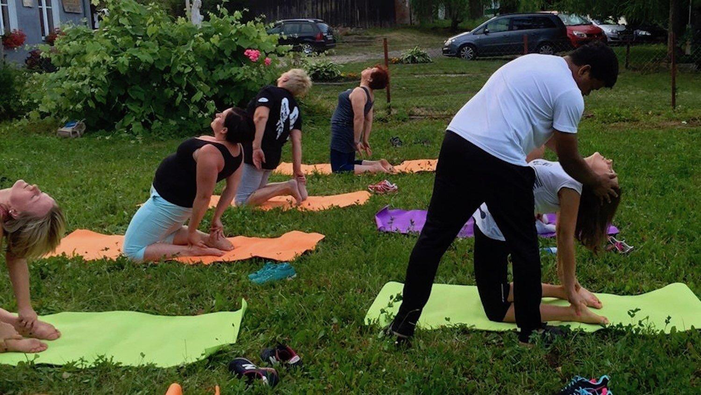 8 cyril yogi's past events in poland.jpeg