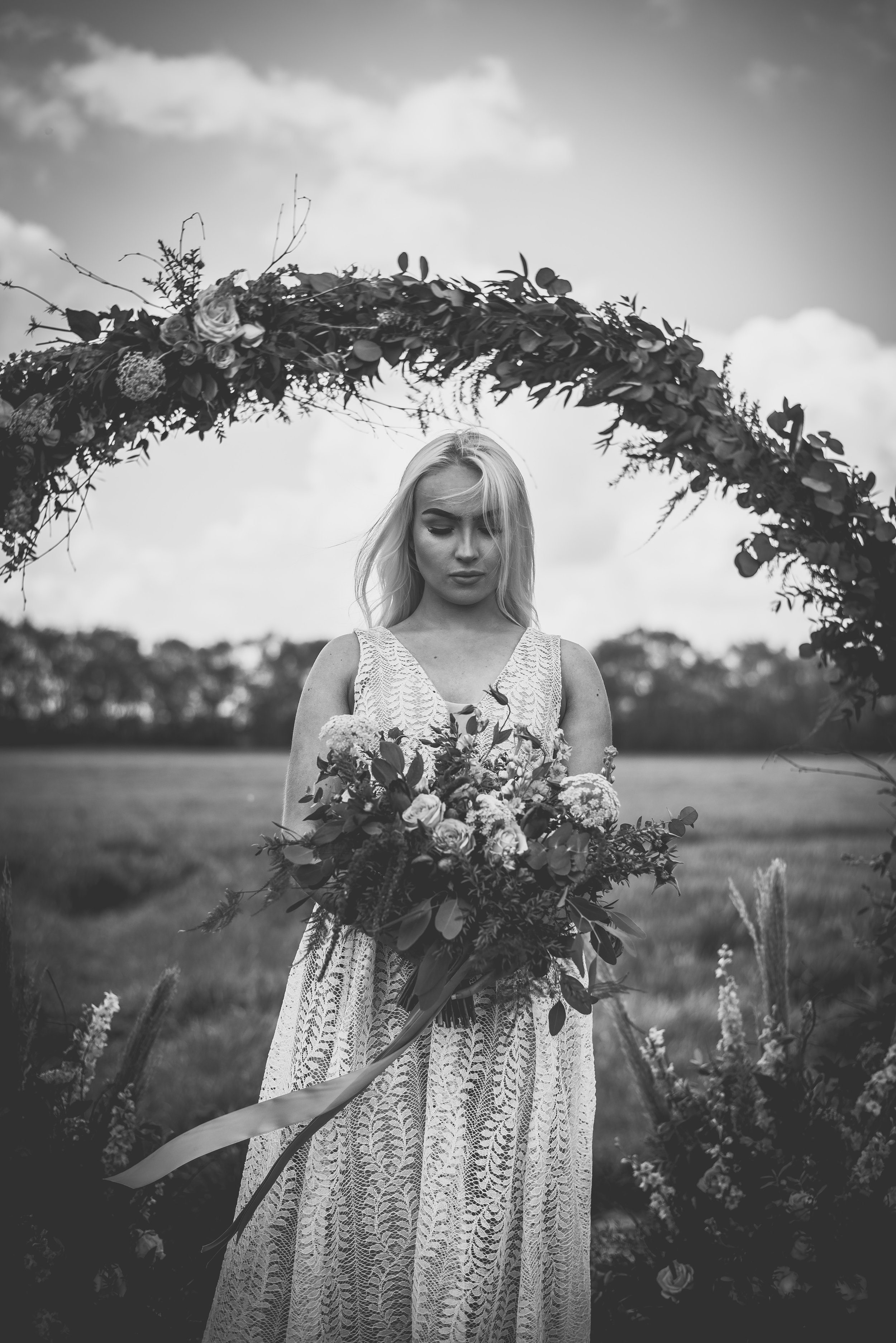 Summer Florals    Photography by Katie Louise Photography