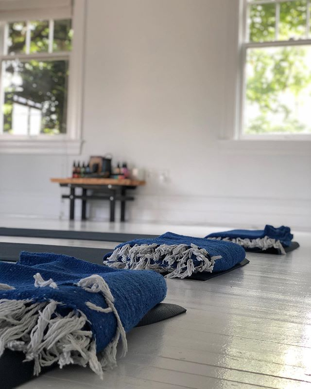 Feeling hugely grateful for the opportunity to lead a Hamptons summertime breathwork group yesterday. This heatwave is no joke, and in the search for ways to 'beat the heat', getting out to the beach and pausing with a group of people curious about this practice was a godsend. If you're in Water Mill, the @fivepillarsyoga studio is beyond gorgeous. What a sanctuary. What a gift all of this is. Stay cool! Breathe deeply!