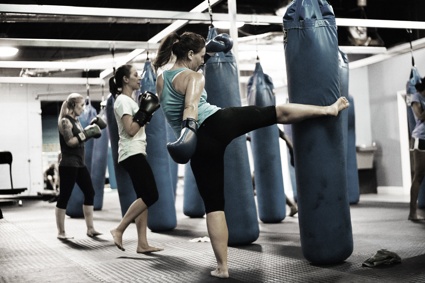FITNESS THAI KICKBOXING -