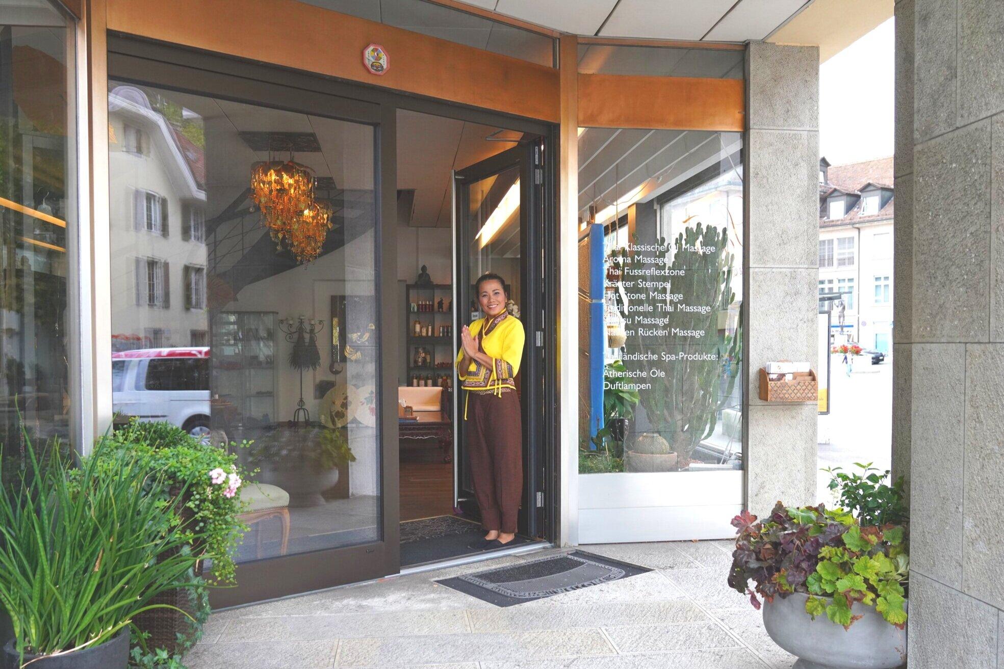 Ankommen - Herzlich willkommen bei Sén Thai! Tauchen Sie ein in unsere entspannte Atmosphäre. Ihre Zeit nur für sich allen beginnt jetzt.