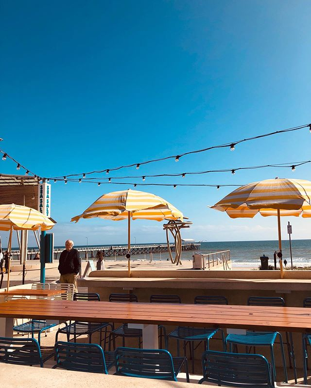 Perfect day at @seasaltbysea ☀️ come enjoy $2 oysters or a $20 burger + beer! #seasaltbysea #oysters #burgers #beers