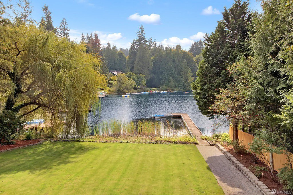 16423 NE Woodinville Duvall Rd | $990,000