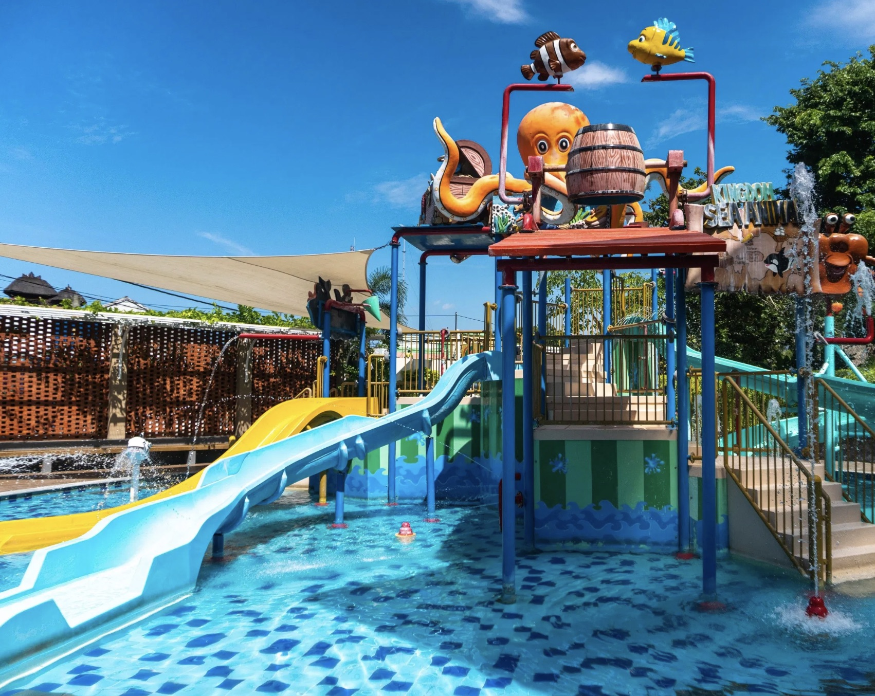 With a waterpark like this, who needs to leave?
