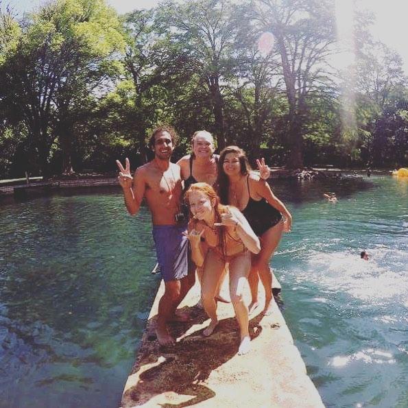 Our crew + @the_austinot crew! #sanmarcos #smtx #sanmarcosriver #sanmarvelous #tx #txst #snorkel #snorkeltx #austin