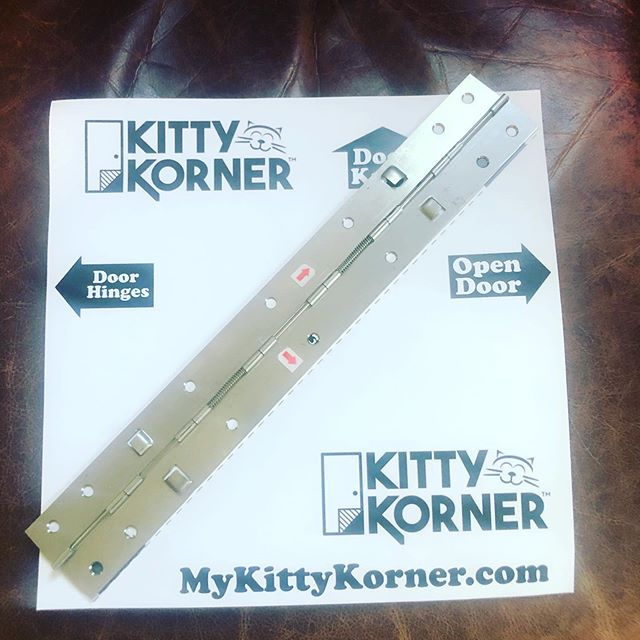 😻🚪GET YOUR PATENTED SLIDING LOCKING KITTY KORNER HINGE TODAY ON MYKITTYKORNER.com🚪😻