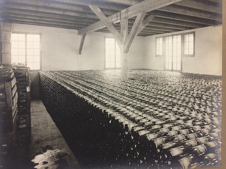 Eptinger Glasflaschenlager historisch