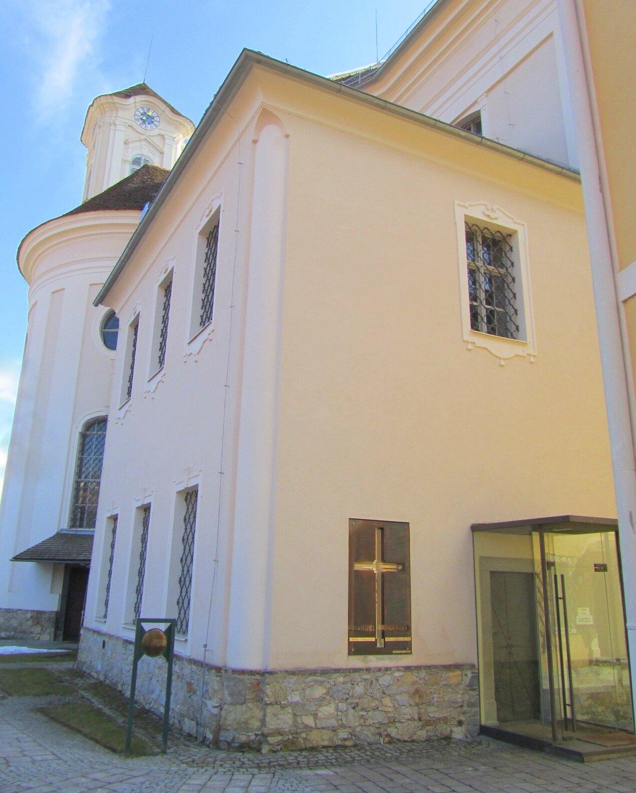 ARCHITECTURAL - Emanuel Kapelle, Graz.jpg