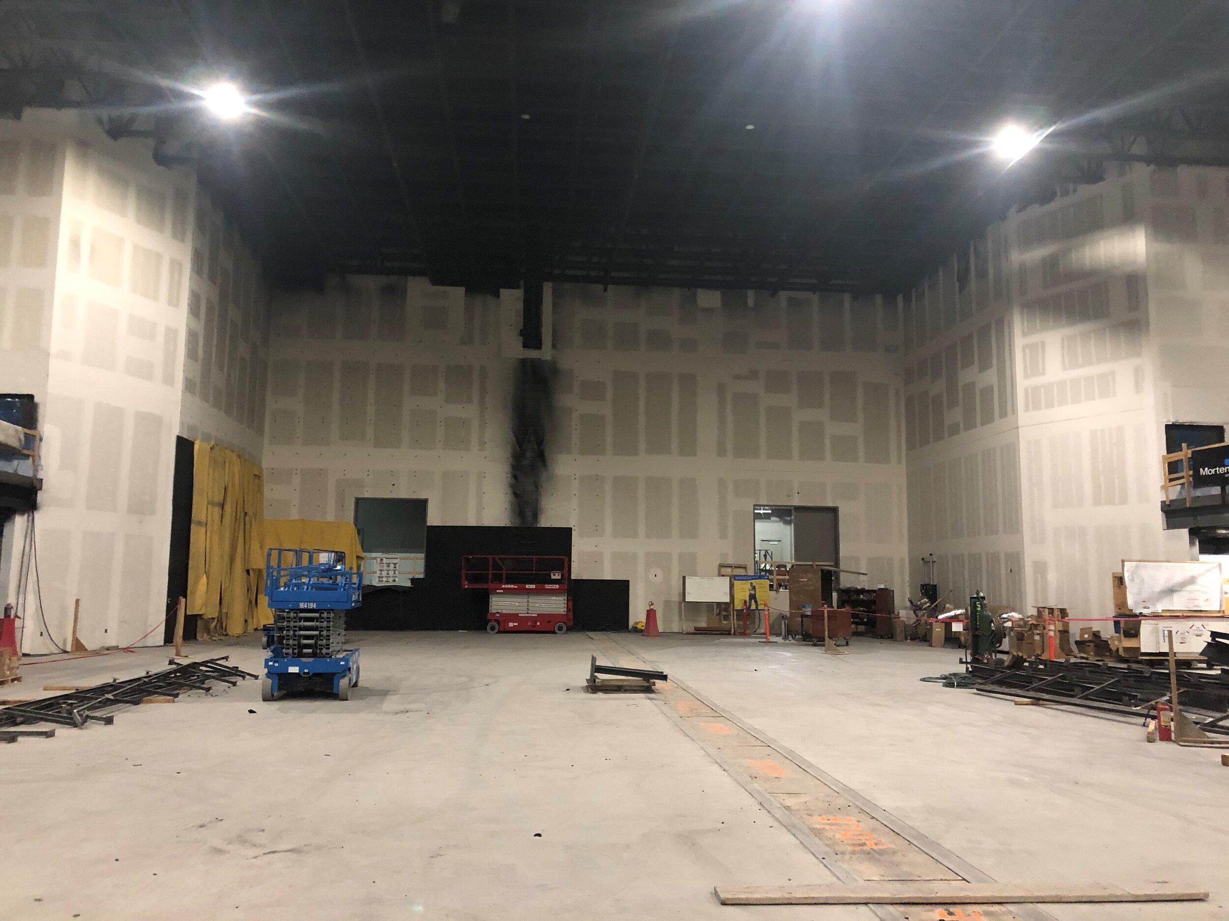 4120-Main Stage Walls.jpg