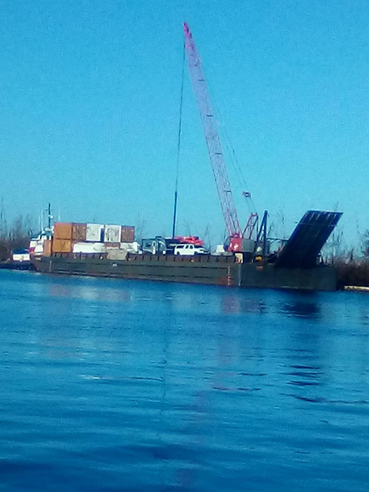 Barge Offload.jpeg