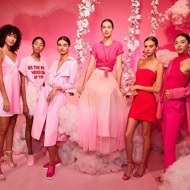 @aliceandolivia is pretty in pink at #nyfw 👛🌸🎀💖 Photo by @haozeng_com