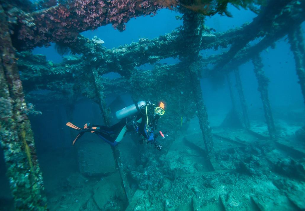 wreck dive.jpg