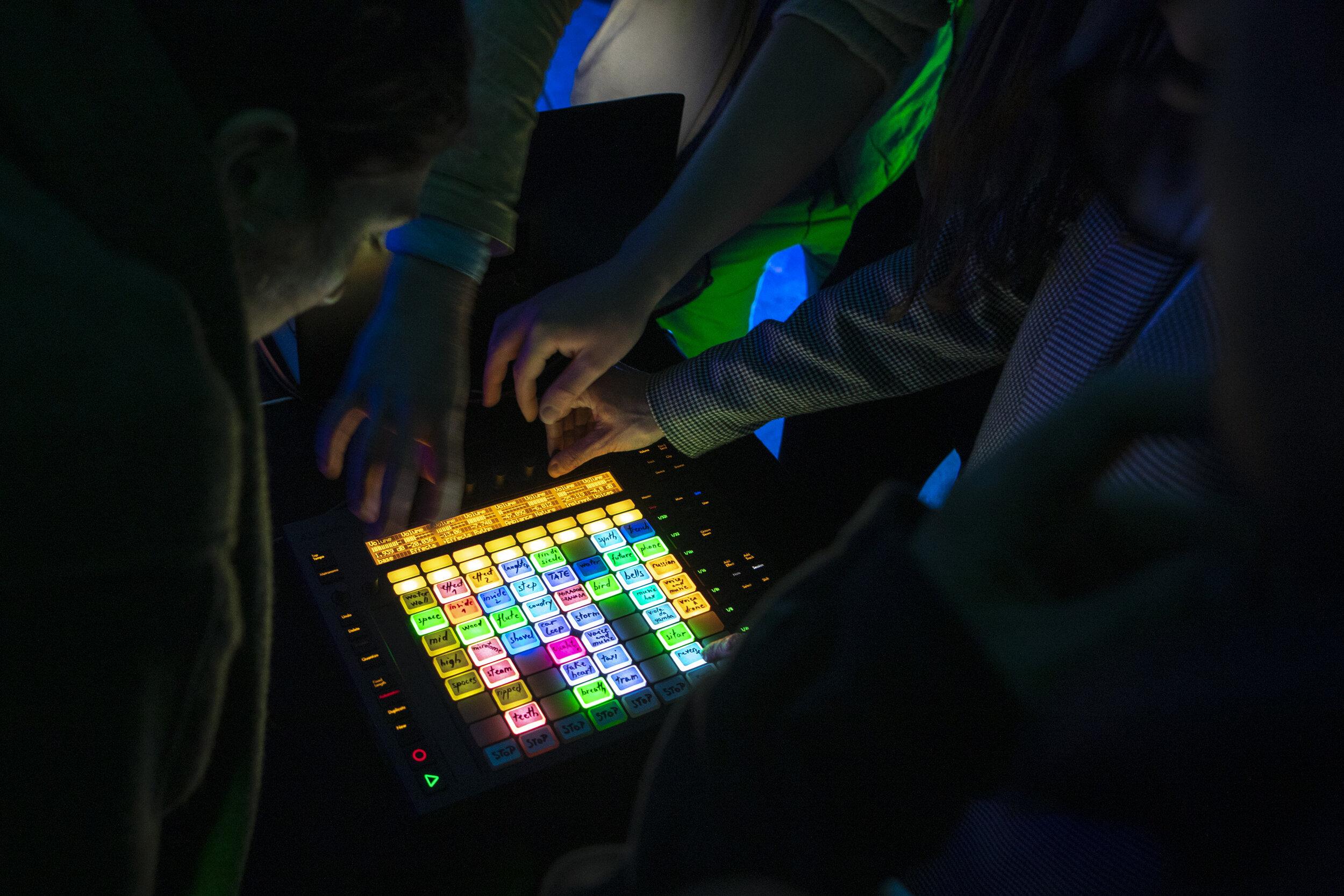 Play with me! - Participatory live performance @ La Senne, BrusselsApril 2019