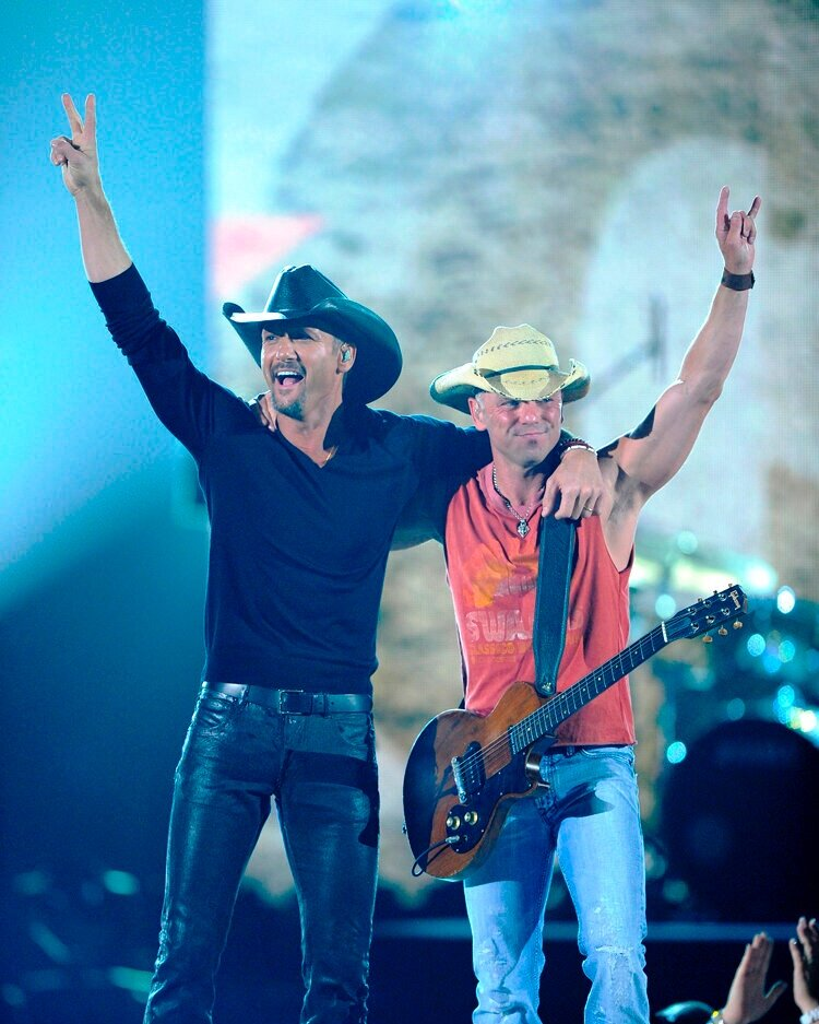 Brothers of the Sun Tour Kenny Chesney and Tim McGraw.jpg