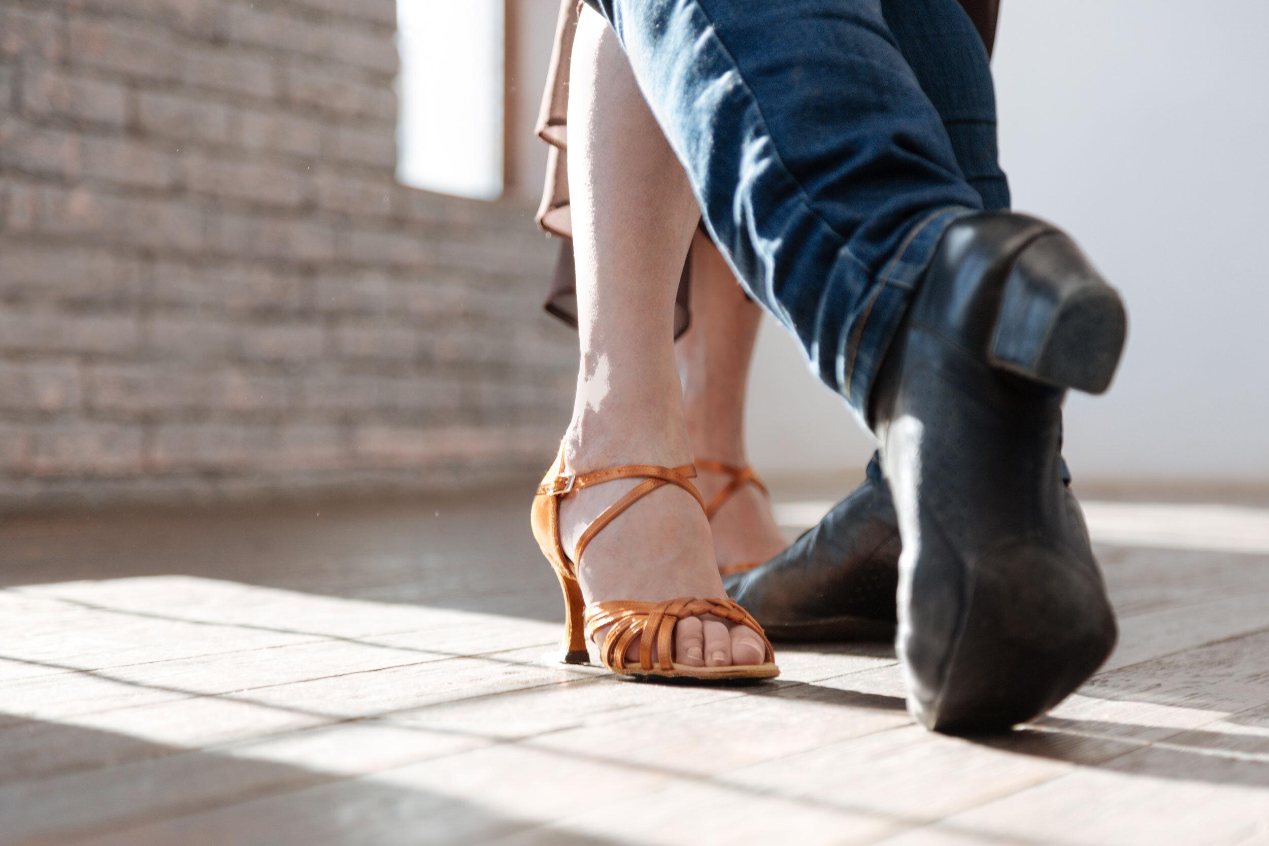 contact-a-helena-dance-studio.jpg