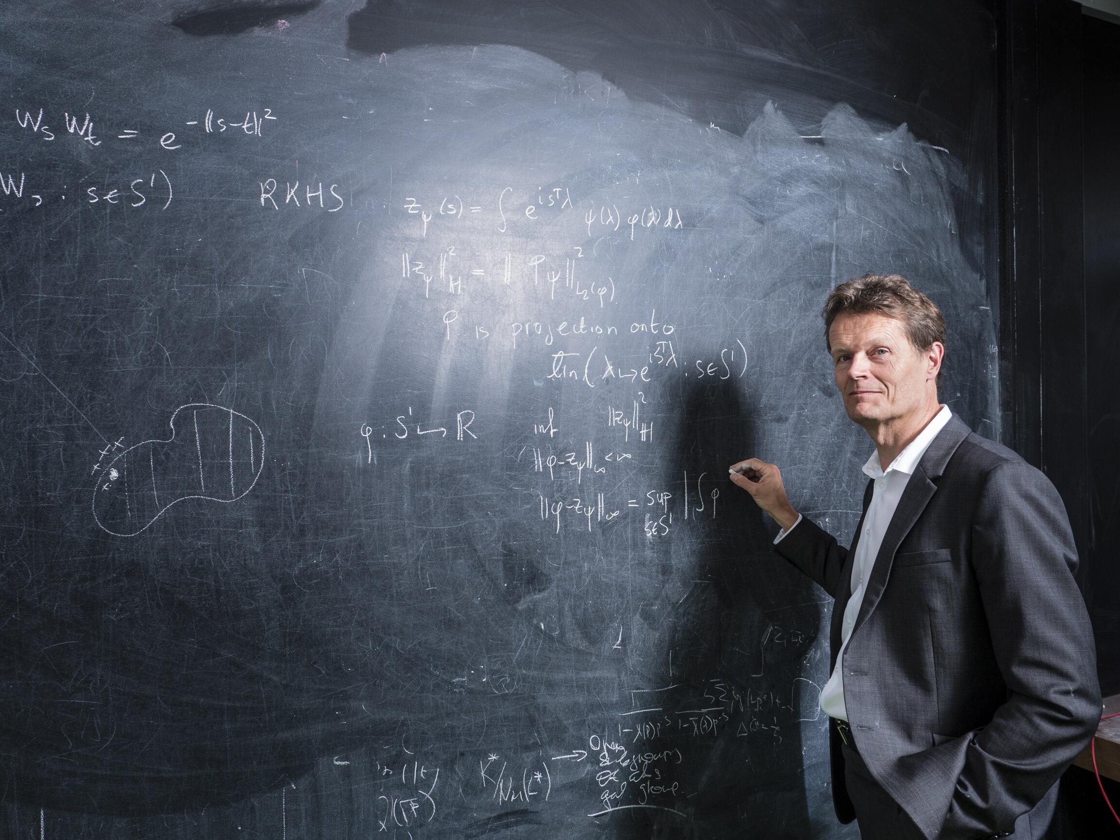 prof Aad van der Vaart-047_A5.jpg