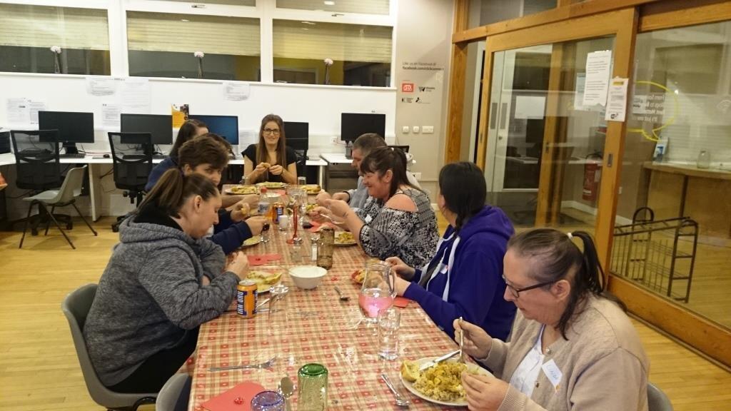 Ruchazie Church Volunteers Meal 1.jpg