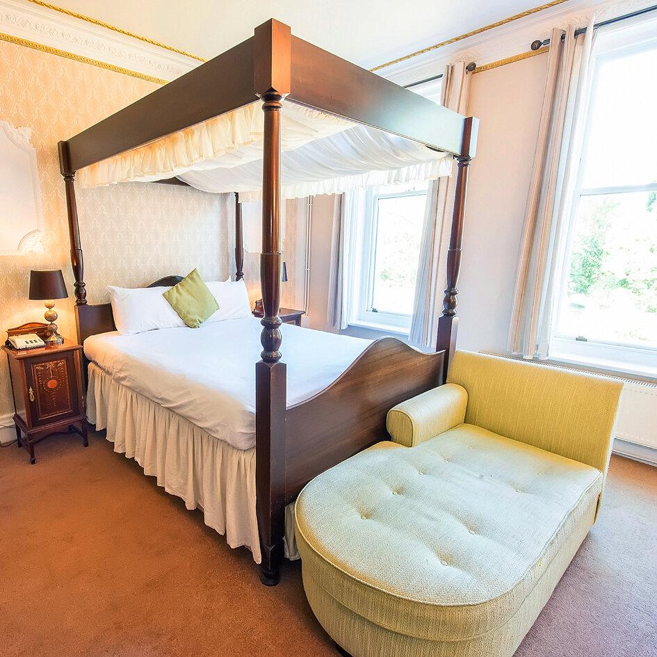 BotleighGHotel-Bedroom.jpg