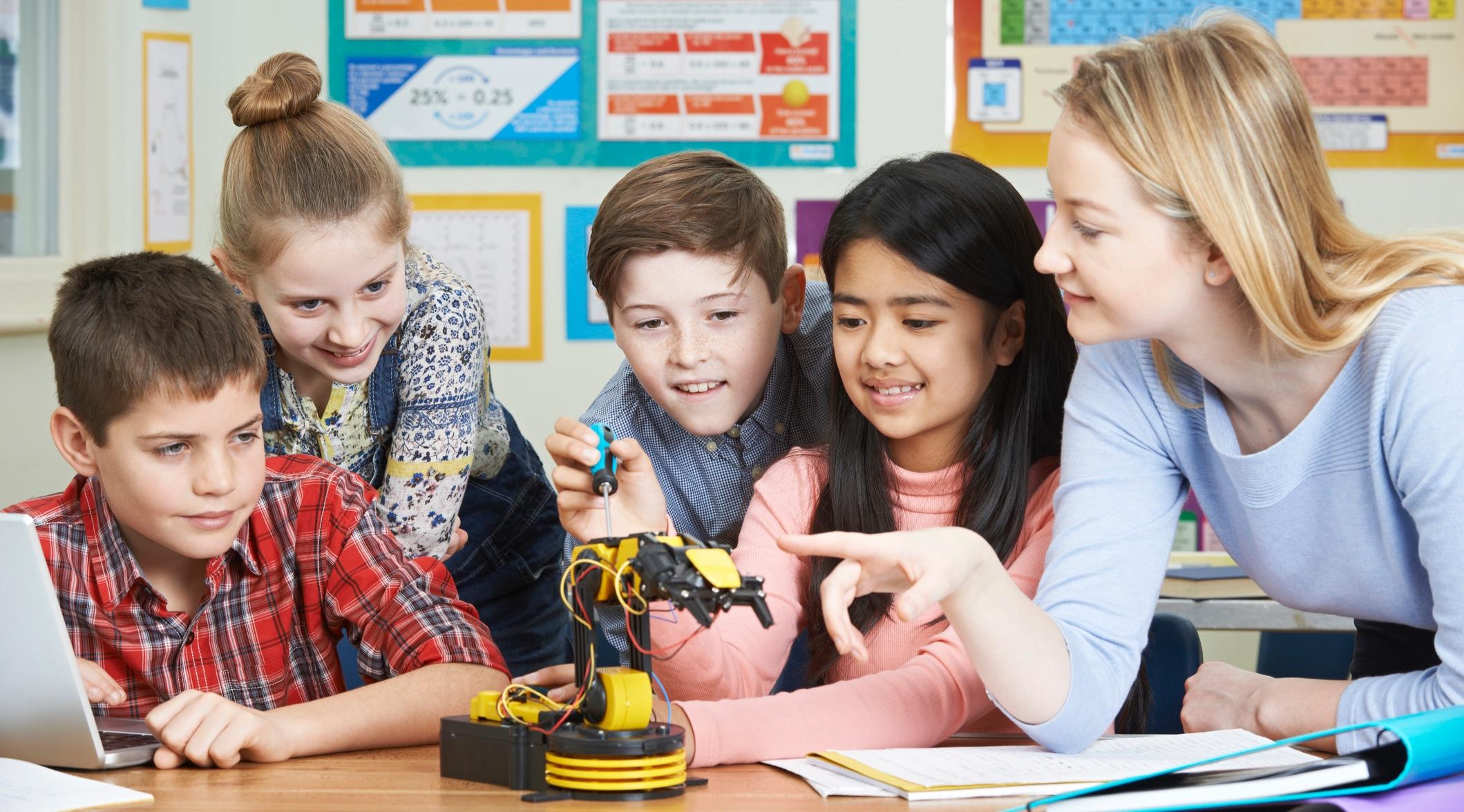 kids+with+robots.jpg