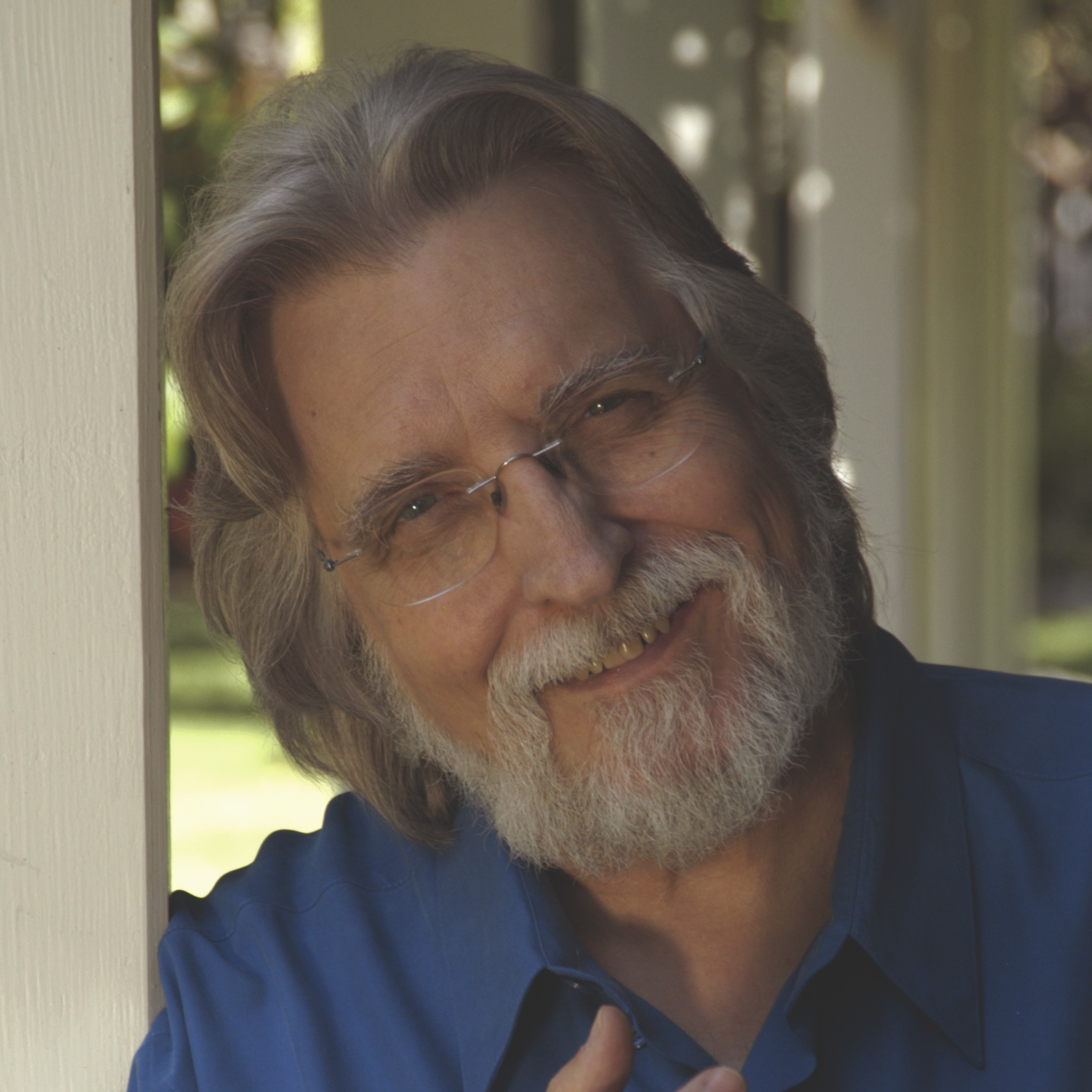 Neale donald walsch - Do you feel we are at a cross-road in our human history right now? And that we have to decide who we are and what our relationship is with each other, with all other living beings and with the planet?If so, then you are not alone in feeling this way. In Neale Donald Walsch's latest book The Essential Path, he offers us a radical solution to the problems facing humanity right now.