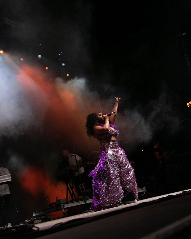 """You're lovely like September."" 🍂 @this_NAO as she performed at @afropunk last weekend. .⠀⠀⠀⠀⠀⠀⠀⠀⠀⠀⠀ .⠀ ⠀⠀⠀⠀⠀⠀⠀⠀⠀⠀ .⠀ ⠀⠀⠀⠀⠀⠀⠀⠀⠀⠀ .⠀⠀⠀⠀⠀⠀⠀⠀⠀⠀⠀ .⠀⠀⠀⠀⠀⠀⠀⠀⠀⠀⠀ .⠀⠀⠀⠀⠀⠀⠀⠀⠀⠀⠀ #afropunkbrooklyn #afropunkbrooklyn2019 #afropunk #summer2019 #fall2019 #fallfashion #soulmusic #rnb #september #happyseptember #welcomefall #afropunk2019 #afropunkweseeyou"