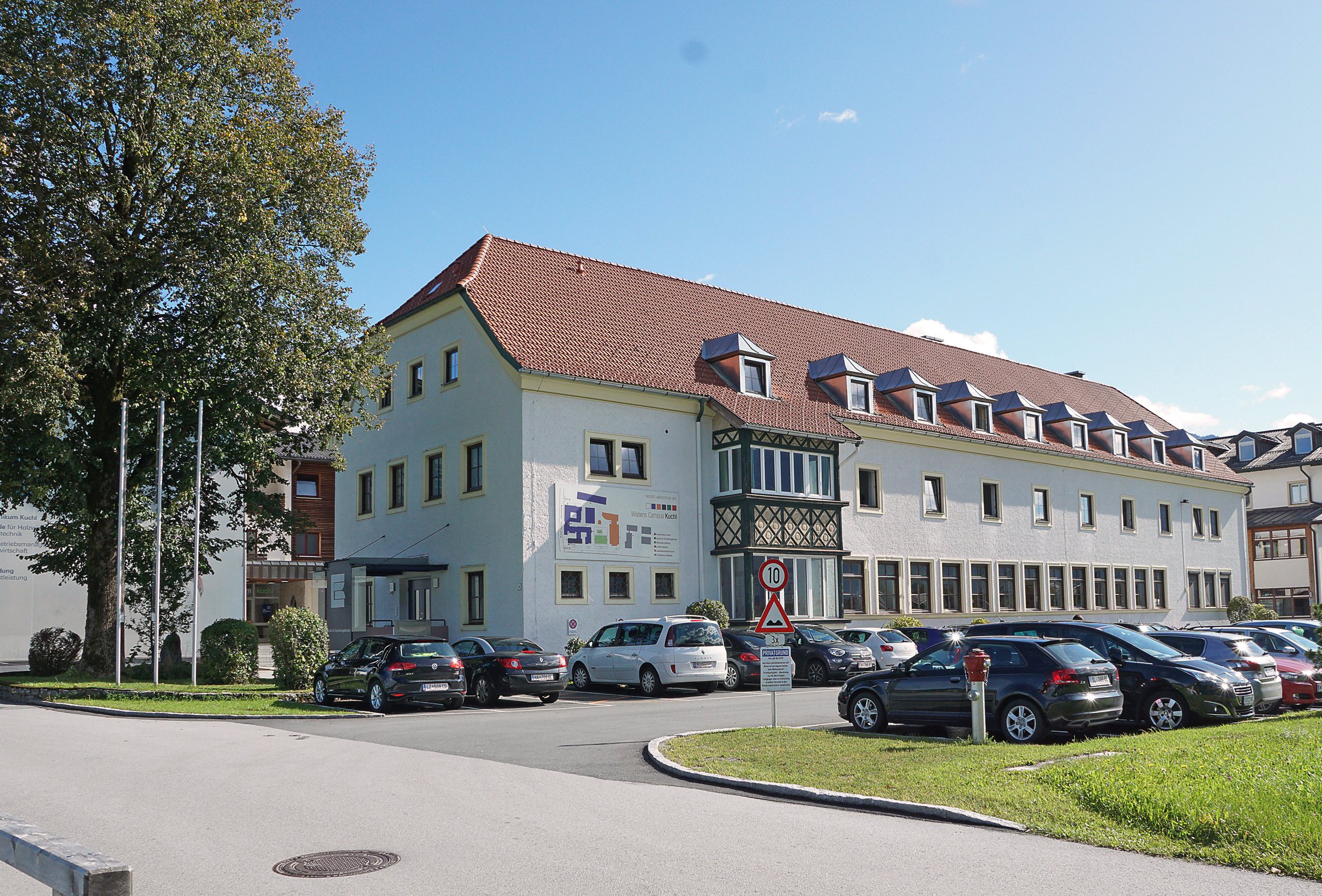 Anafi 1.4.1 > Holztechnikum Kuchl - HTL, Fachschule