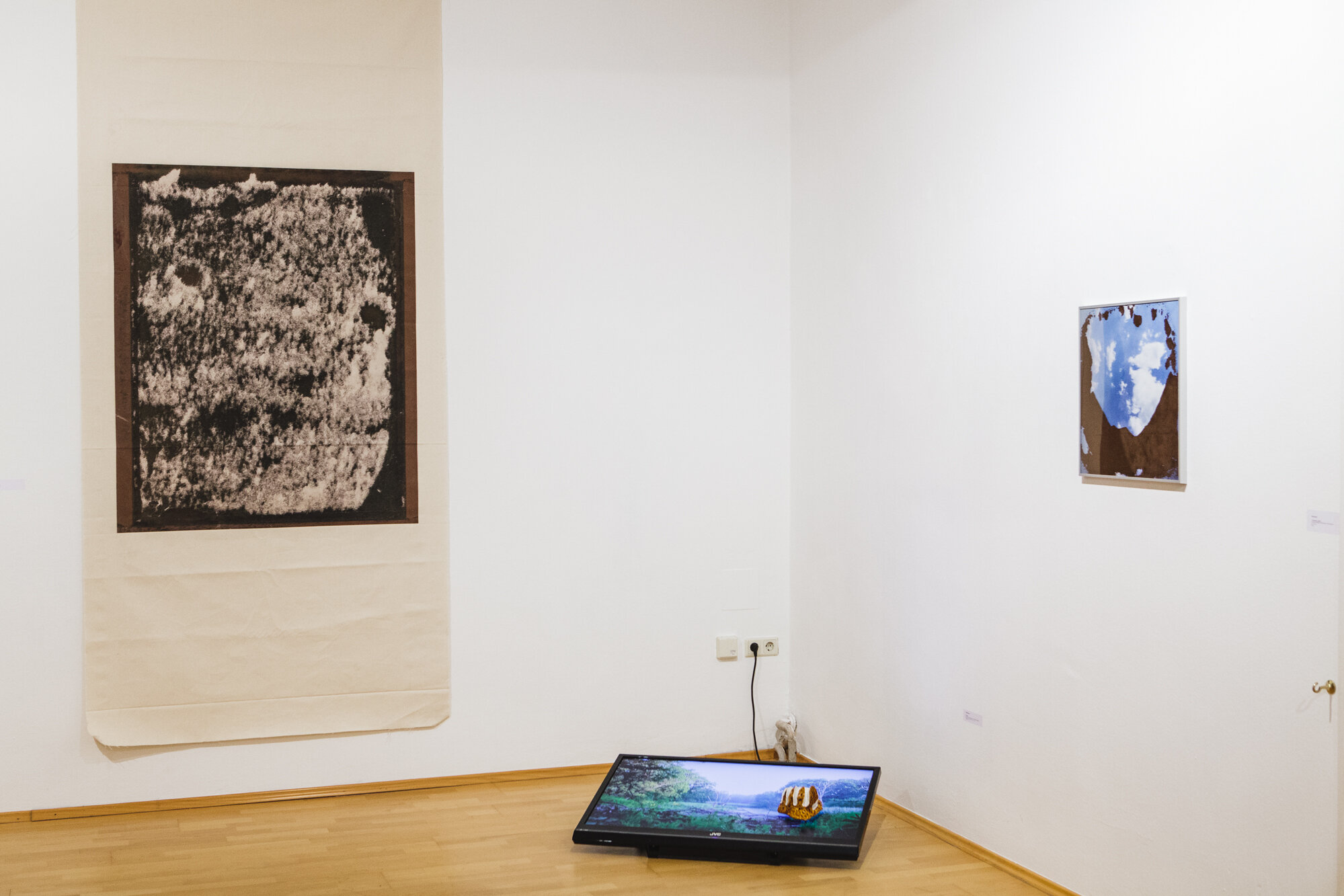 """- Exhibition view. """"Going south"""", a group show at Galerie Marenizi. Photo credit: Manuel Carreon Lopez."""