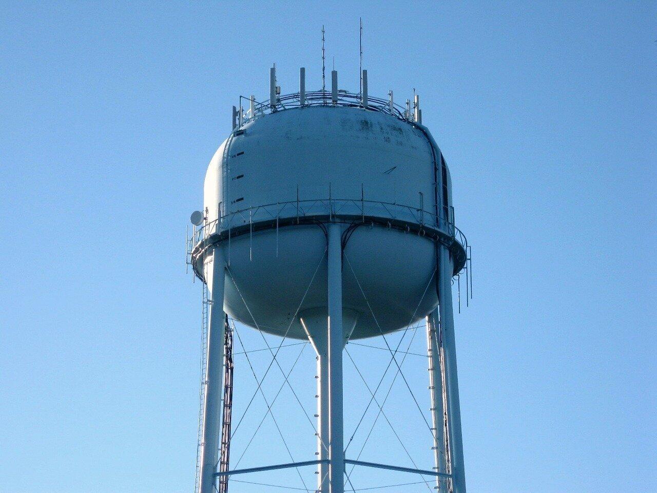 water-tower-2330313_1280.jpg