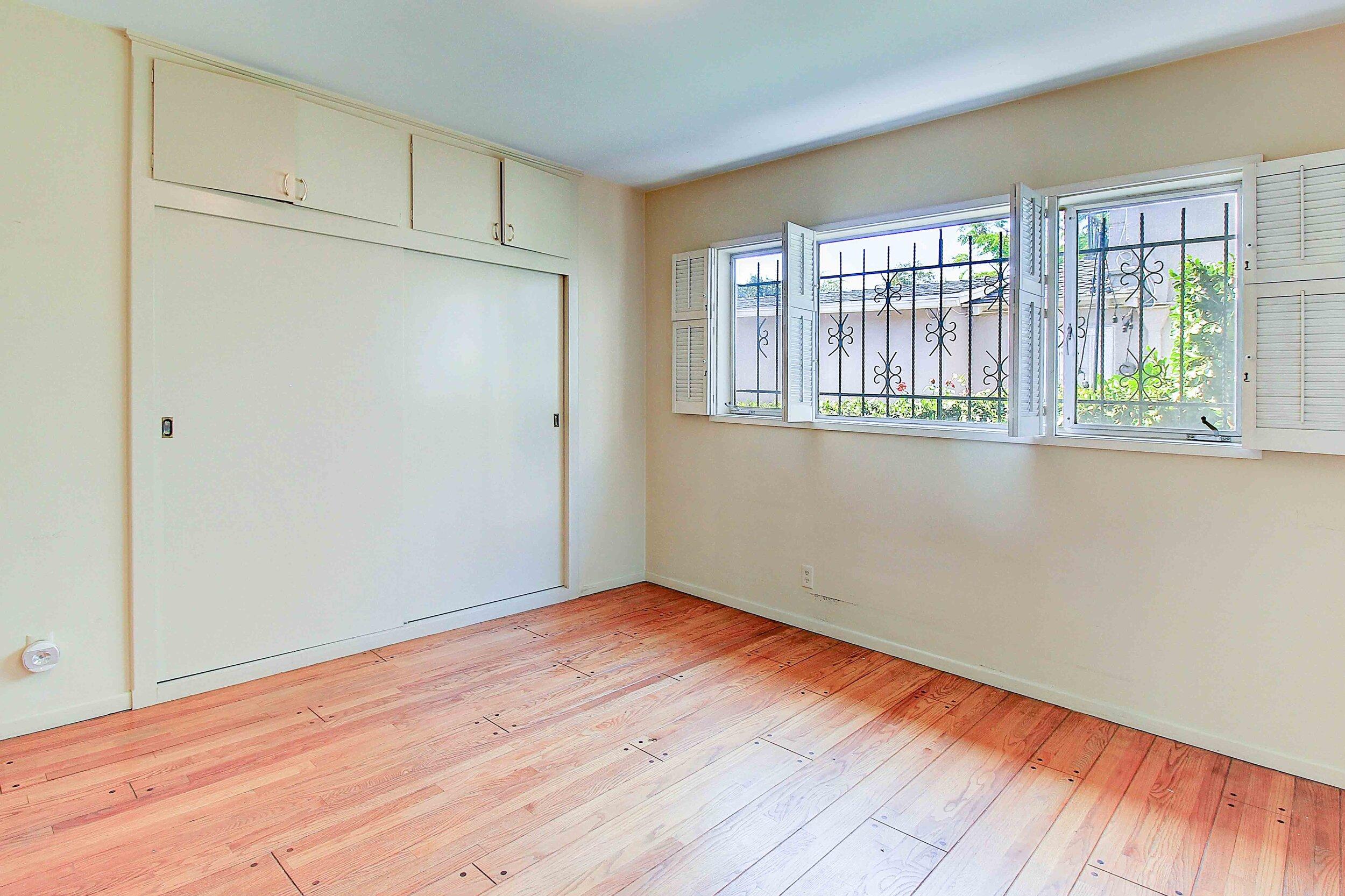 9837 Kincardine Ave -Bedroom 2.jpg
