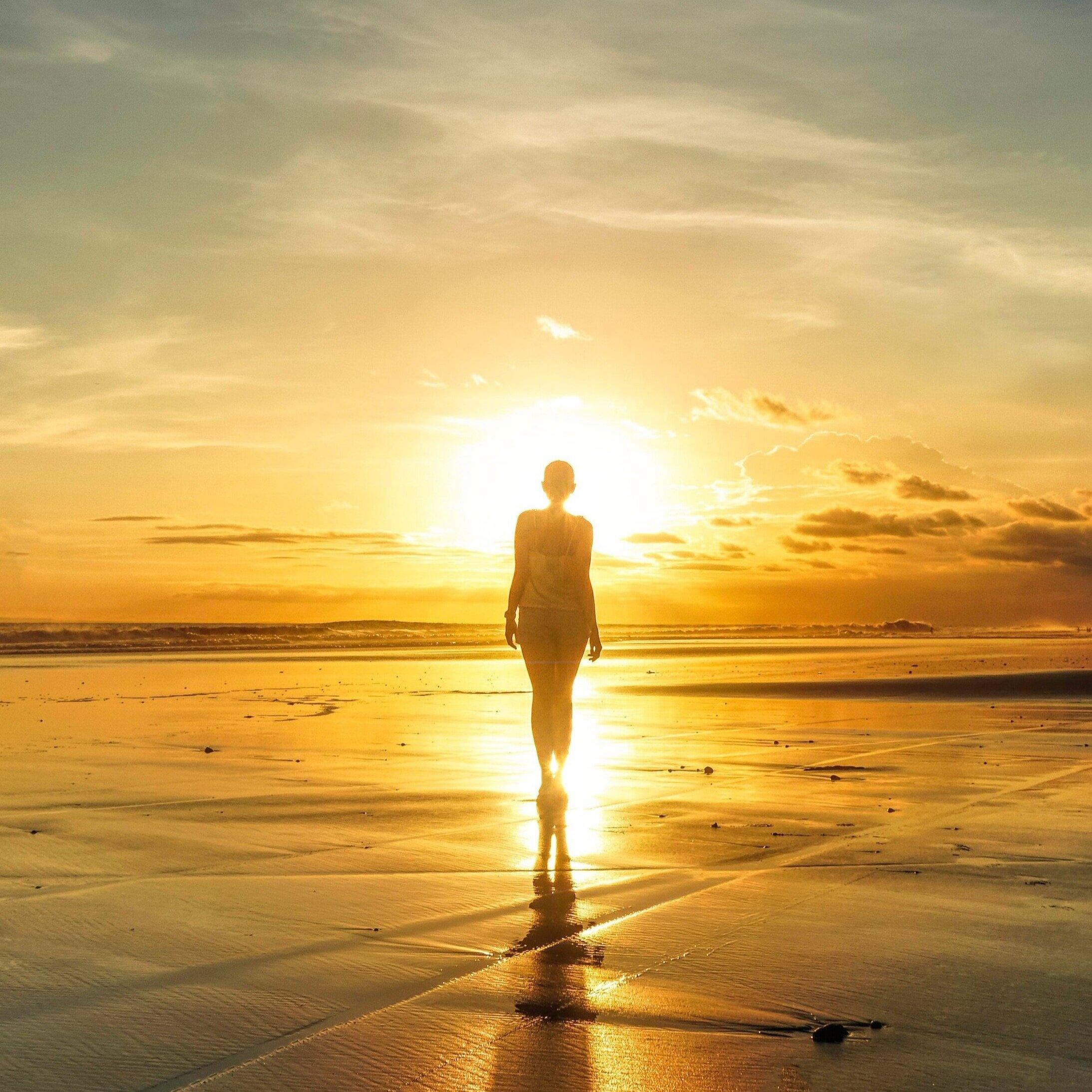 backlit-beach-dawn-2123175.jpg
